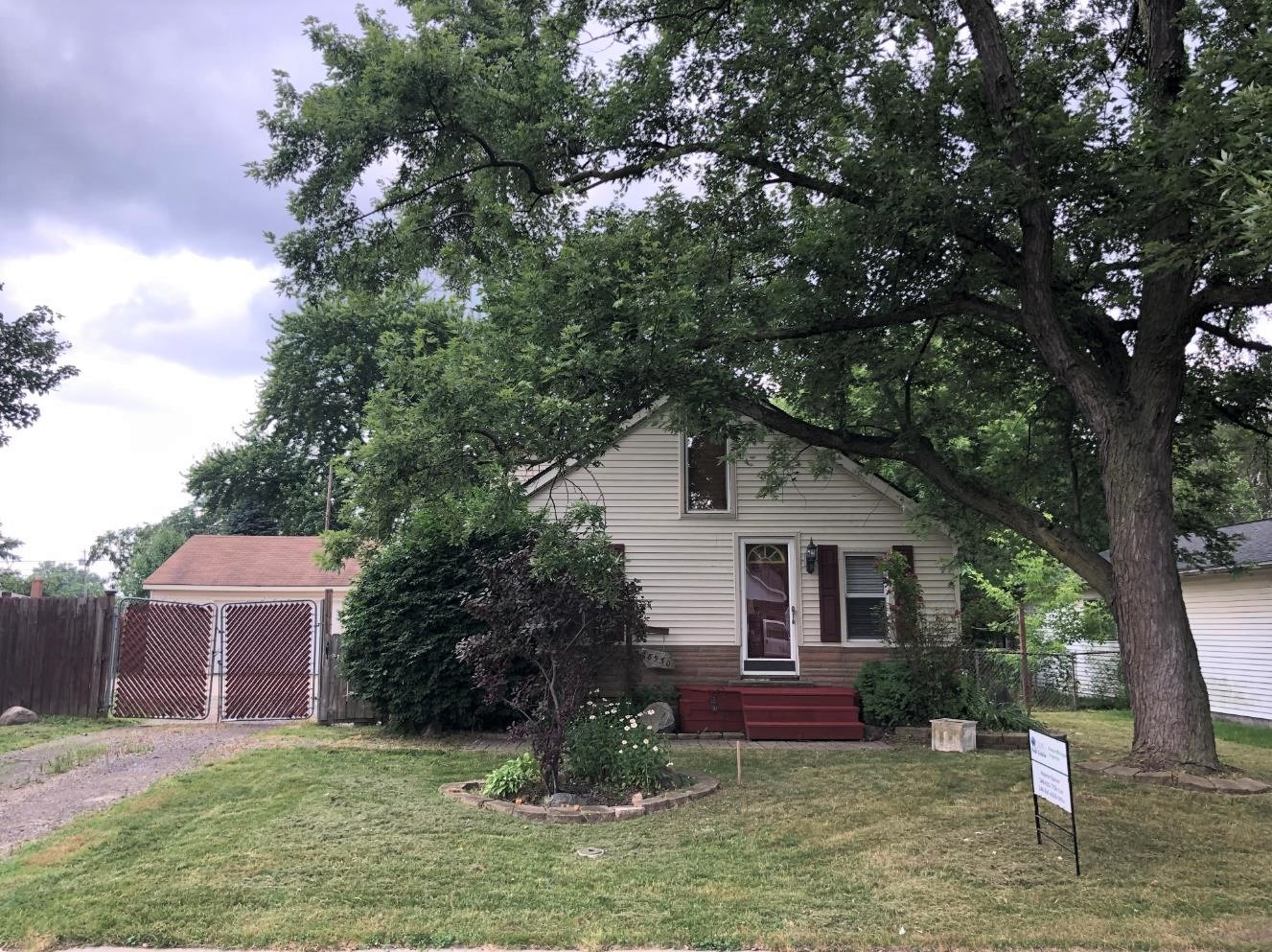 Updated Warren home on double lot!