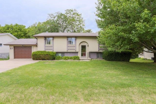SW Iowa, Oakland IA,  Riverside School, 4 bed, 2 bath