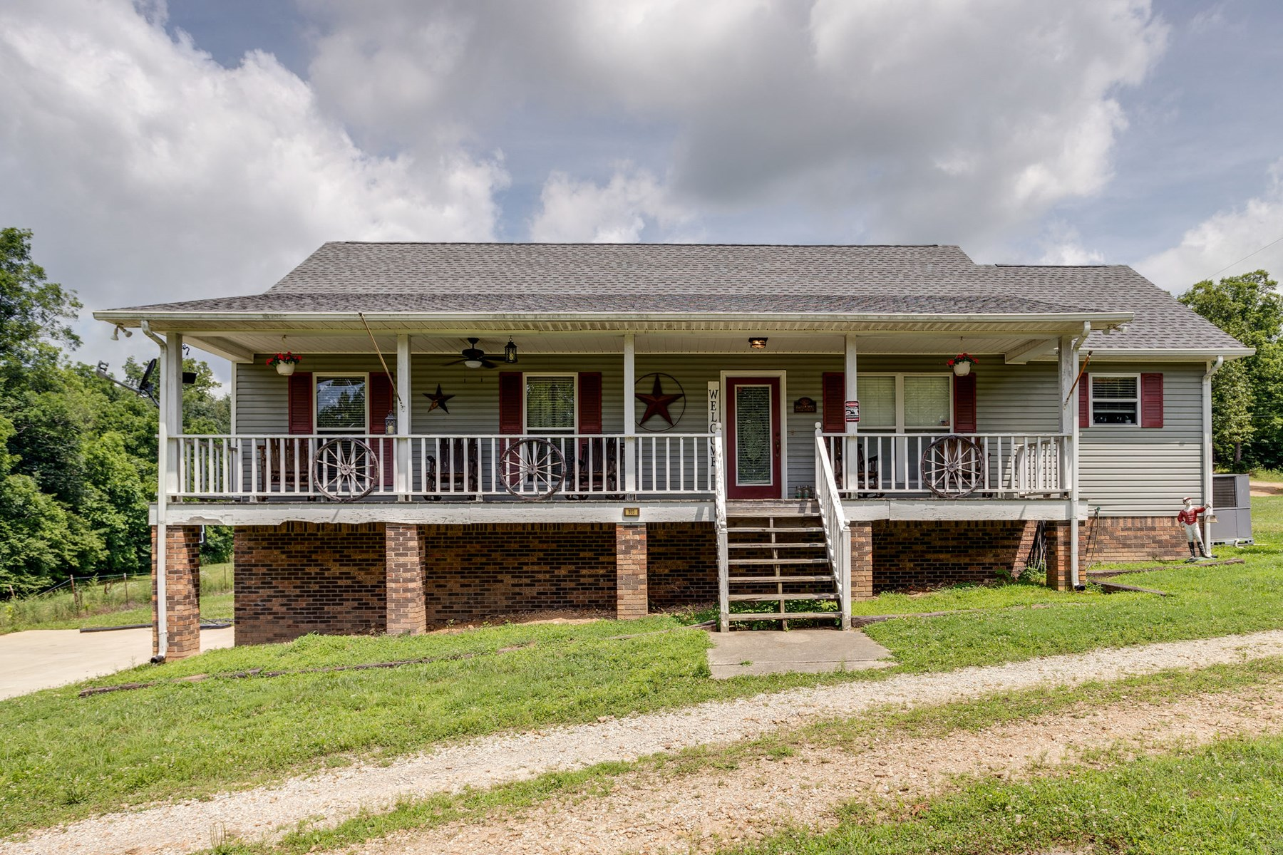 Lynnville, TN Giles County Home with Acreage for Sale!!