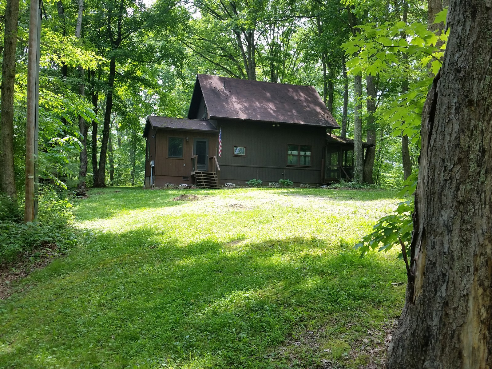 Beautiful Cabin on Acreage For Sale McArthur, Ohio