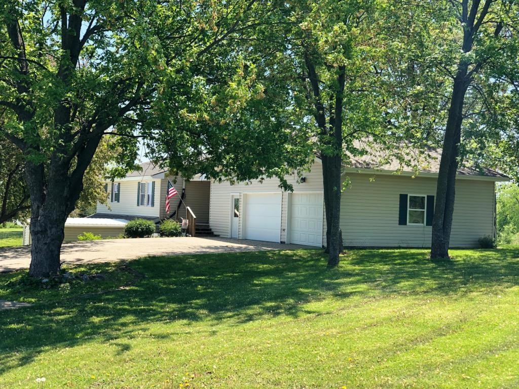 5 BEDROOM, 3.5 BATHROOM HOME AND ACREAGE FOR SALE
