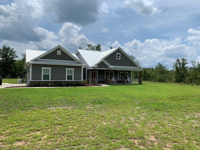 Beautiful newer country home on 5 acres in Crawfordville FL