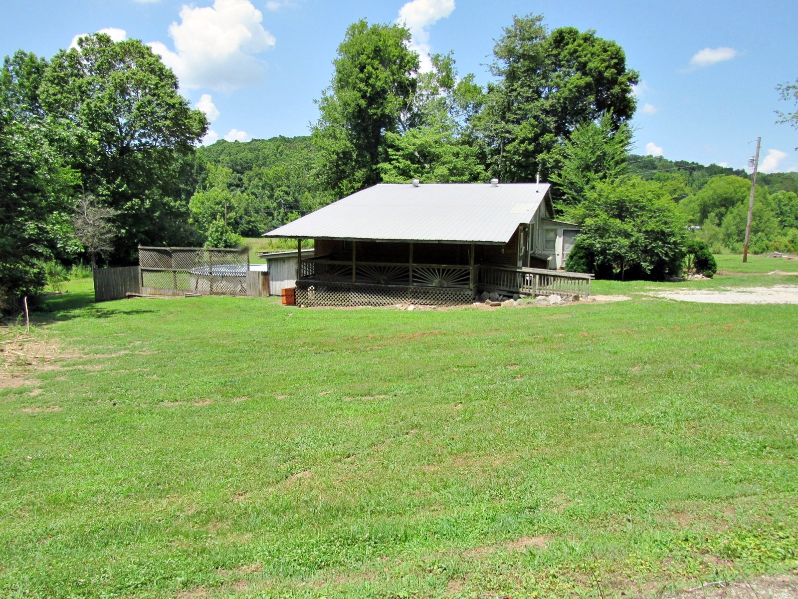 Home & 9.6 Acres w/ Creek Frontage, Pasture & Pond $89,900
