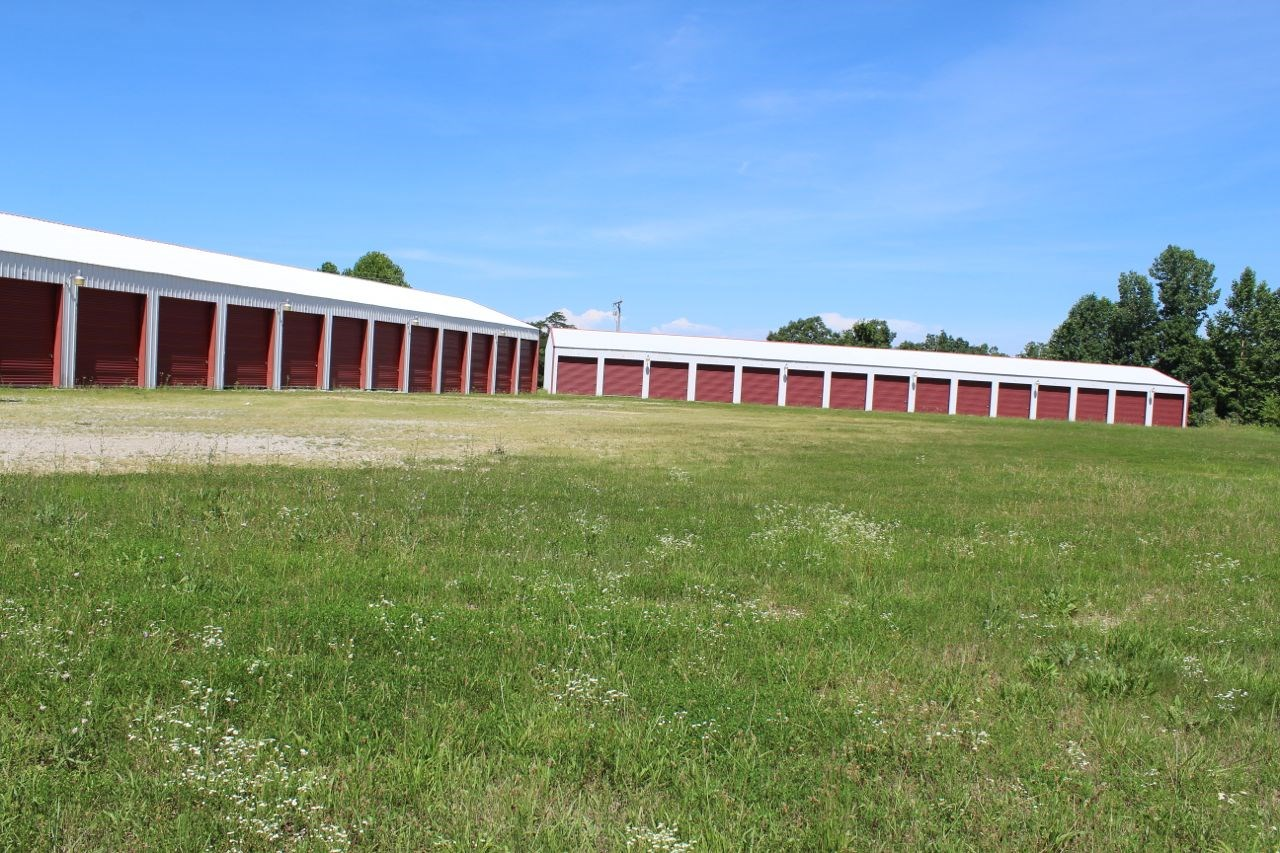 Commercial Bldg., Boat Storage Units and Vacant Land Auction