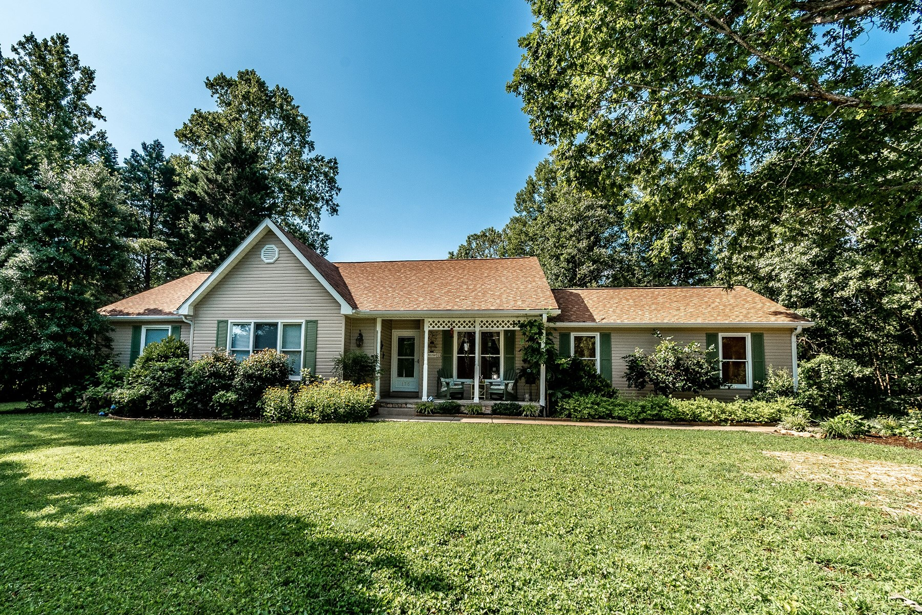 Home for sale in Pinnacle NC