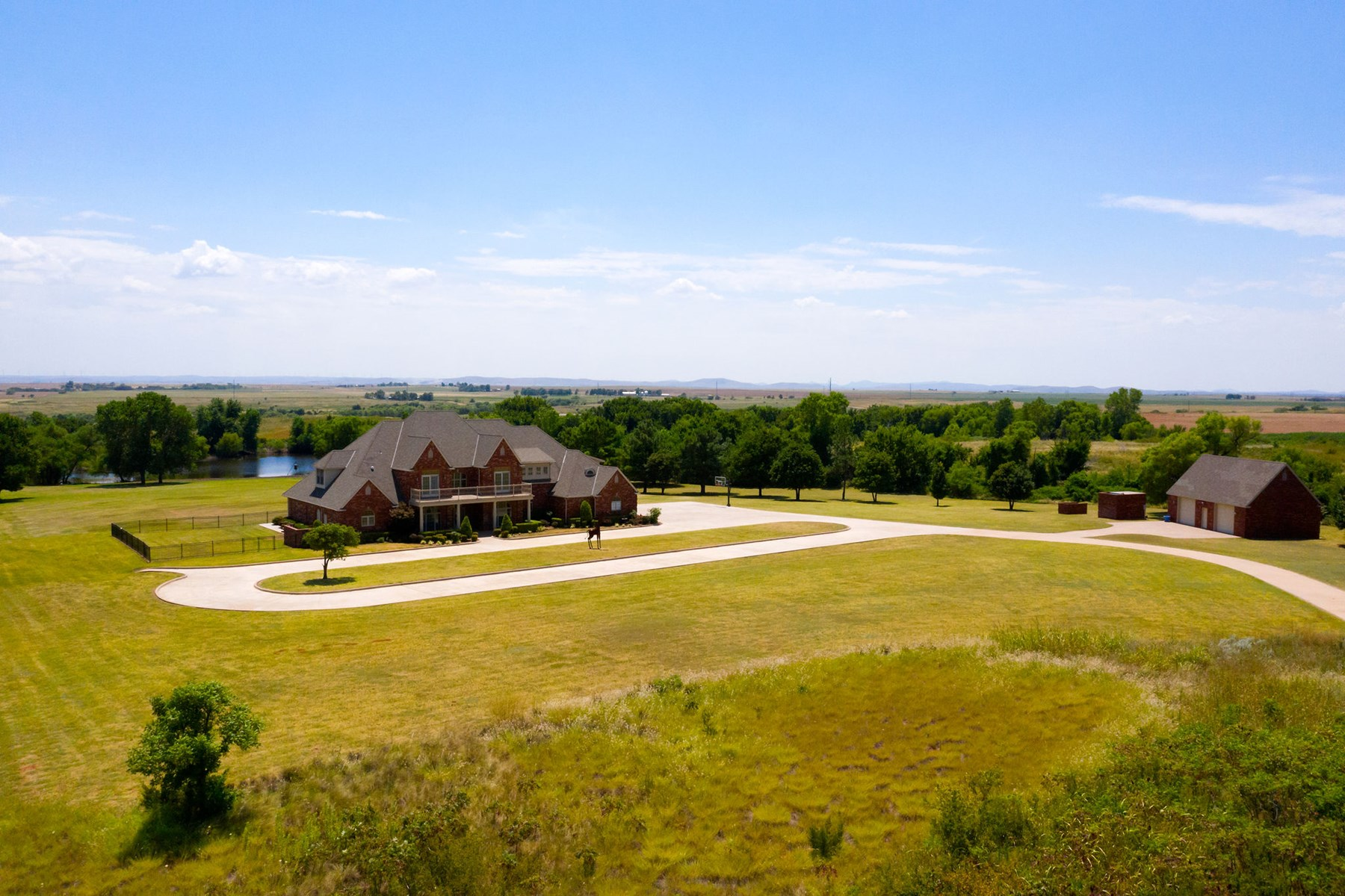 New Price! BEAUTIFUL Luxury Home for Sale Carnegie Oklahoma