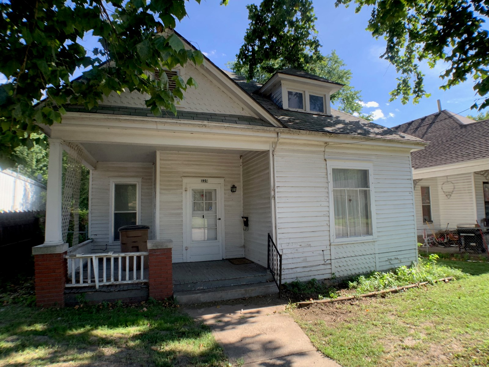 Cute Bungalow For Sale College Town