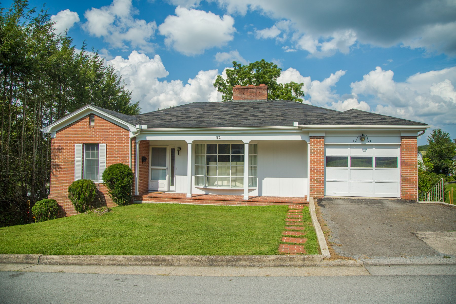 Charming Home Close to Main Street in Tazewell
