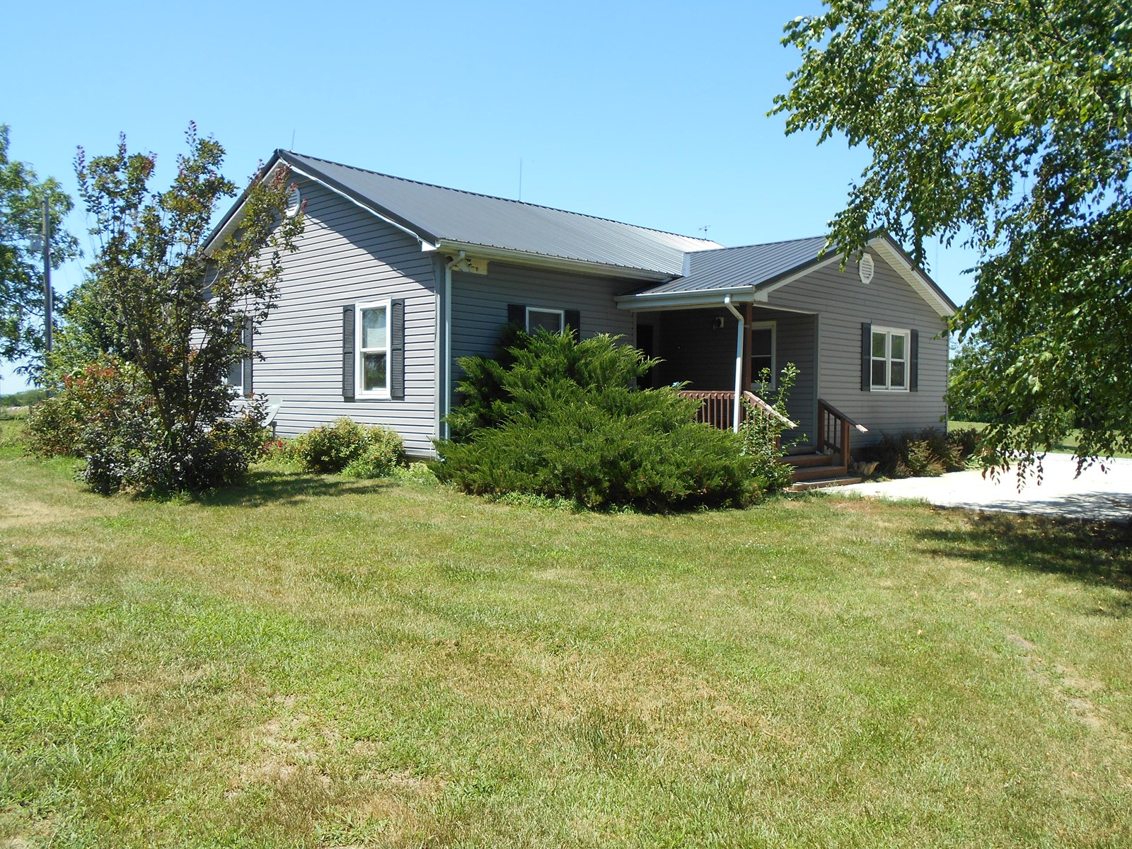 7 ACRES & REMODELED HOME IN WINSTON MO FOR SALE