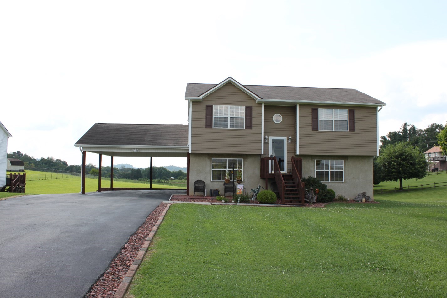 Country Home With Finished Basement For Sale In TN