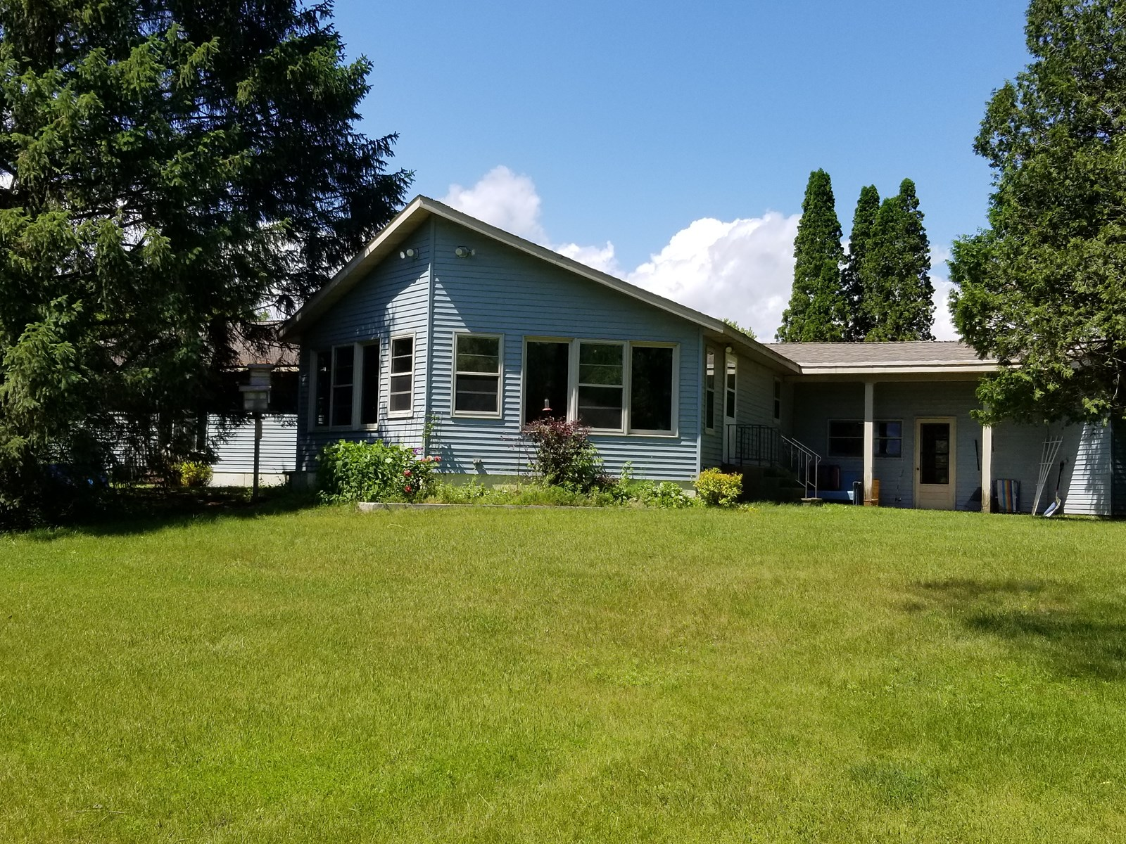 Home for sale on Junction Lake, Waupaca WI