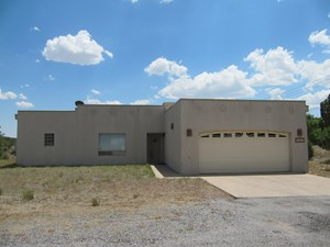 WONDERFUL, MOVE-IN-READY SOUTHWEST 3 BEDROOM, 2 BATH HOME