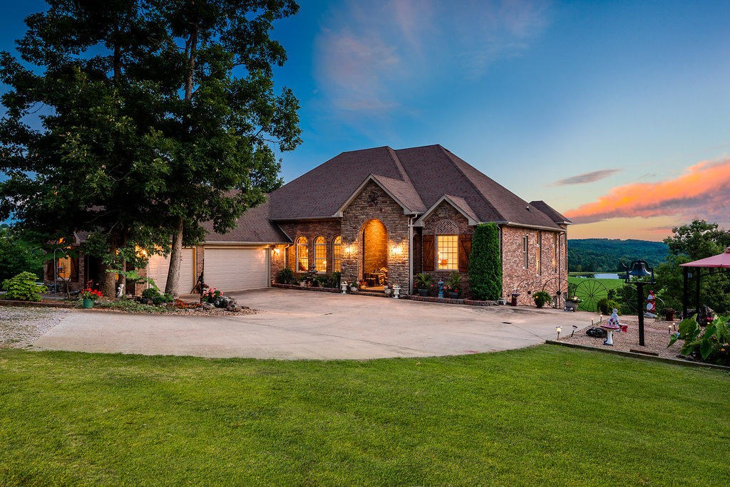 Custom Brick Estate Home near  Buffalo River National Park