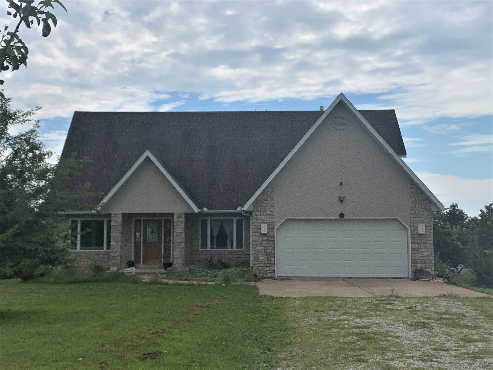 Home with Acres for Sale in Southern Missouri Ozarks