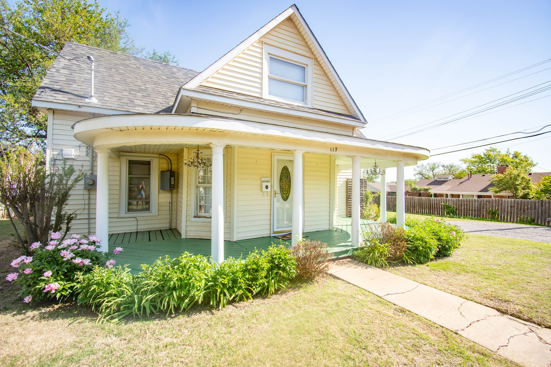 Home For Sale in CORDELL OK