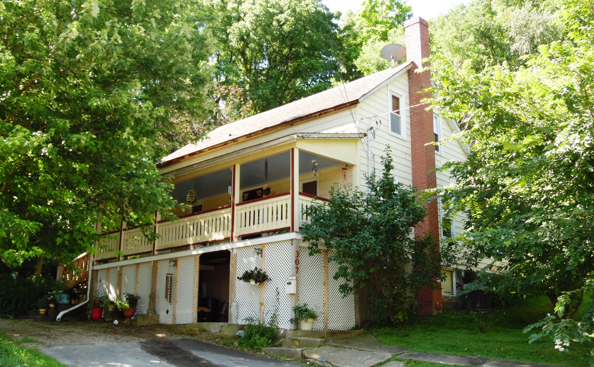 Historic Frame Bungalow in Galena IL