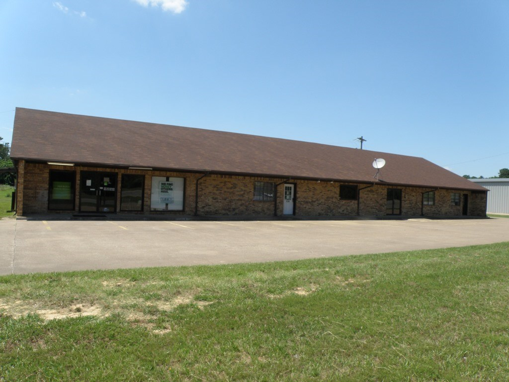 COMMERCIAL BLDG 4 TENANT SPACES ON HWY 155 FOR SALE OR LEASE