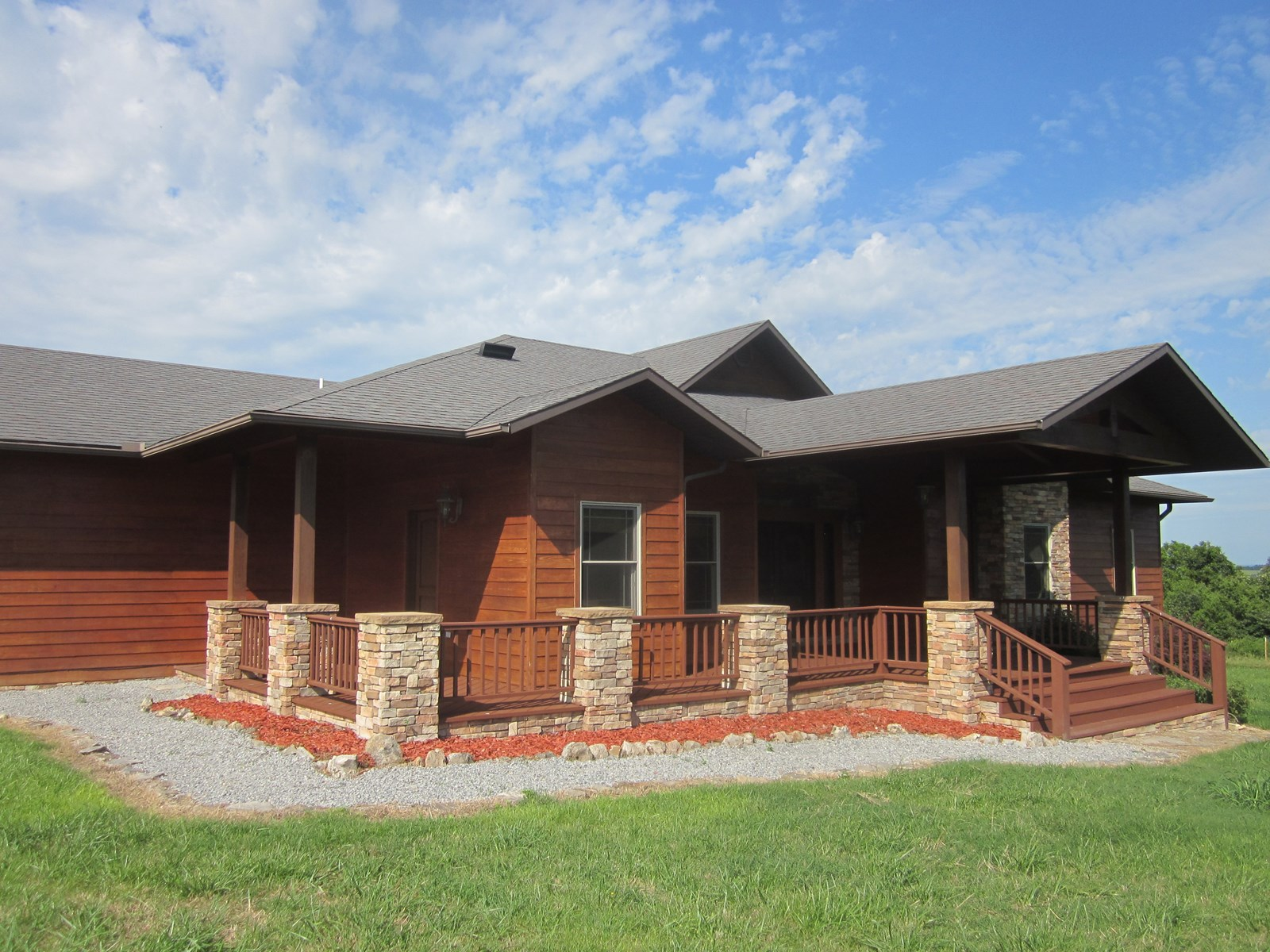 HORSE RANCH FOR SALE IN THE OZARKS!