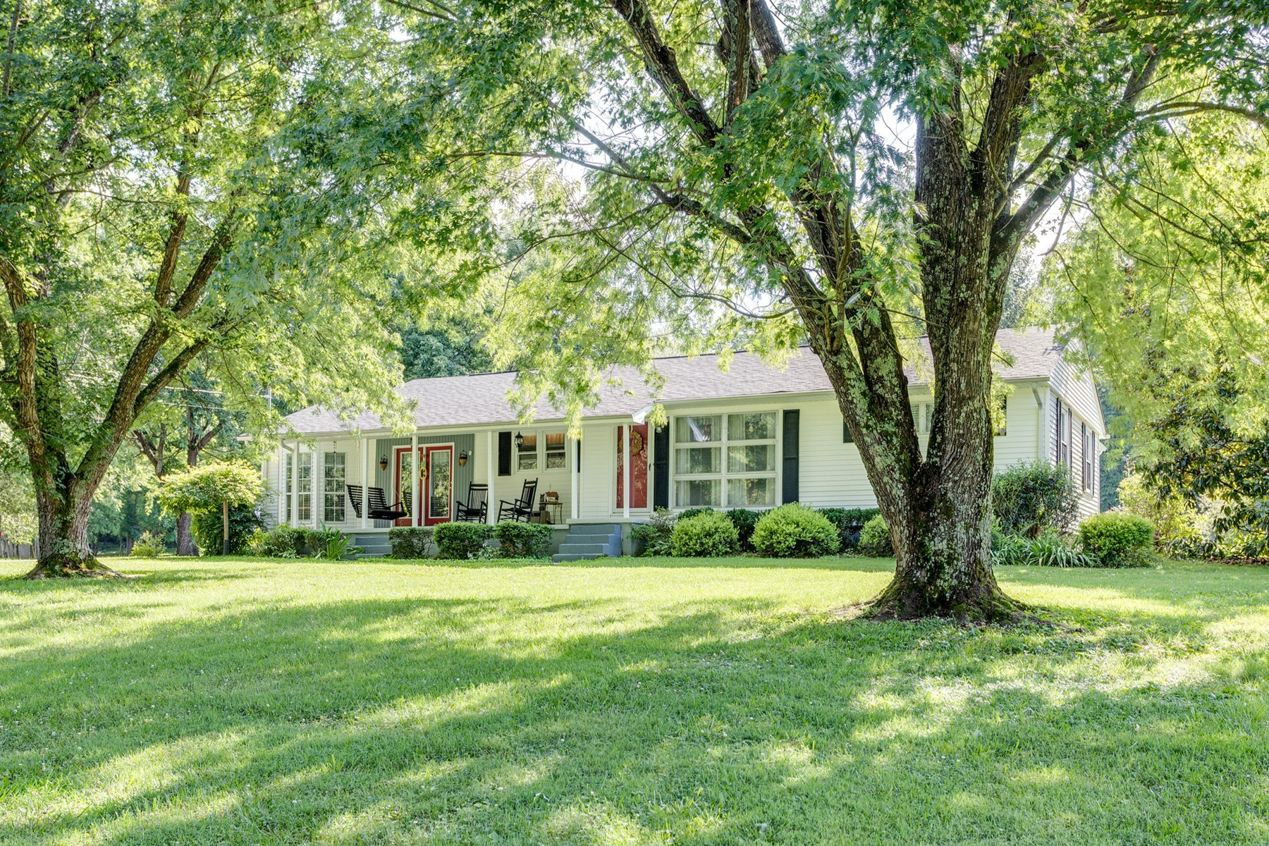 Southern Estate Situated on 20+ Acres in Culleoka, TN