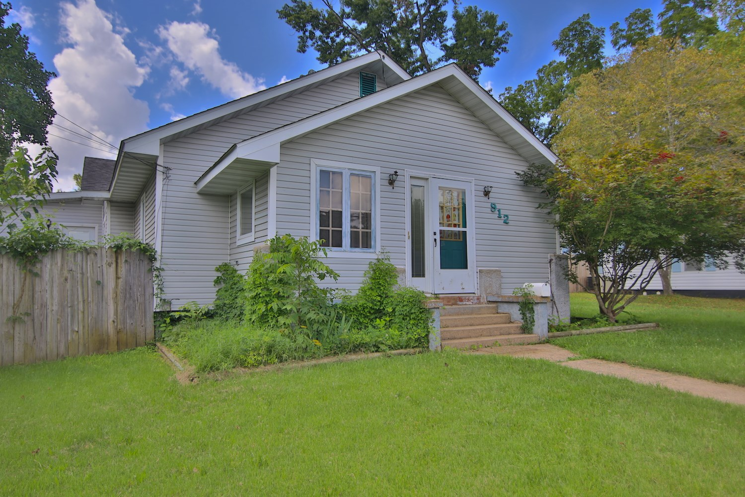 Home for Sale in West Plains Missouri