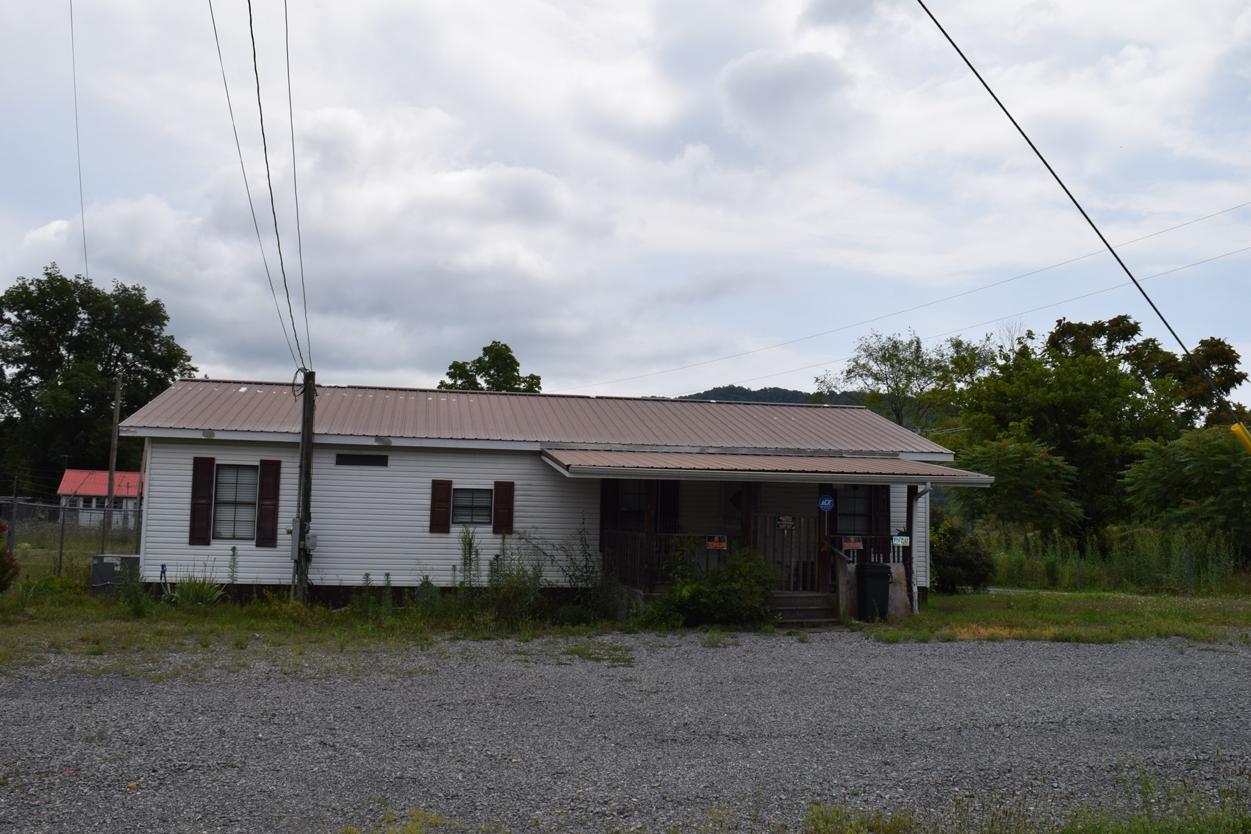 AUCTION - 719 BROADWAY ST. BEAN STATION, TN