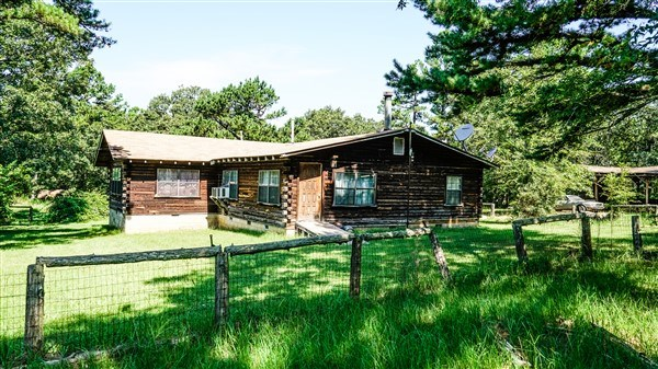 Log Home with 40 acres bounding National Forrest