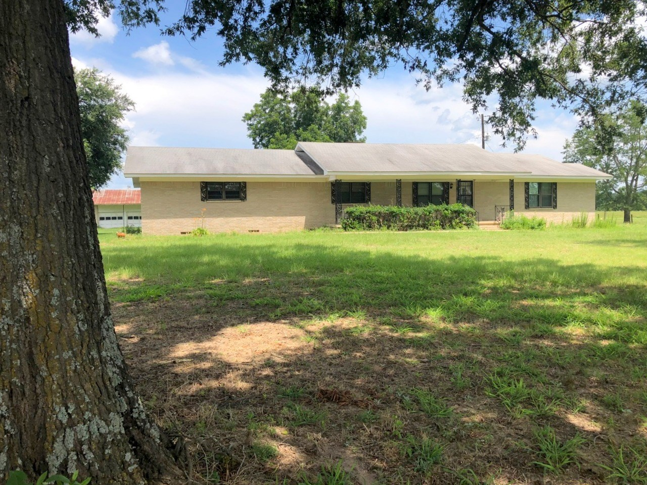 LARGE COUNTRY HOME ON 3 ACRES WOOD COUNTY WINNSBORO TEXAS