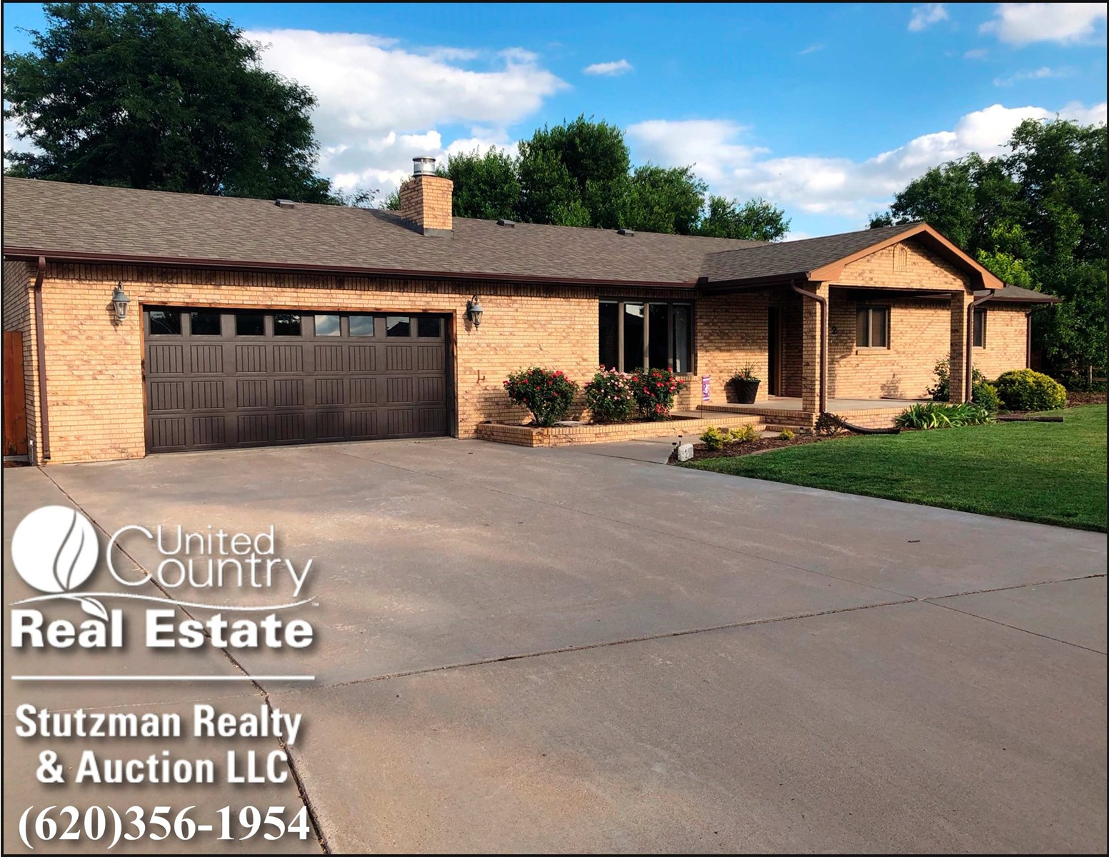 LARGE BRICK HOME FOR SALE IN ULYSSES, KS