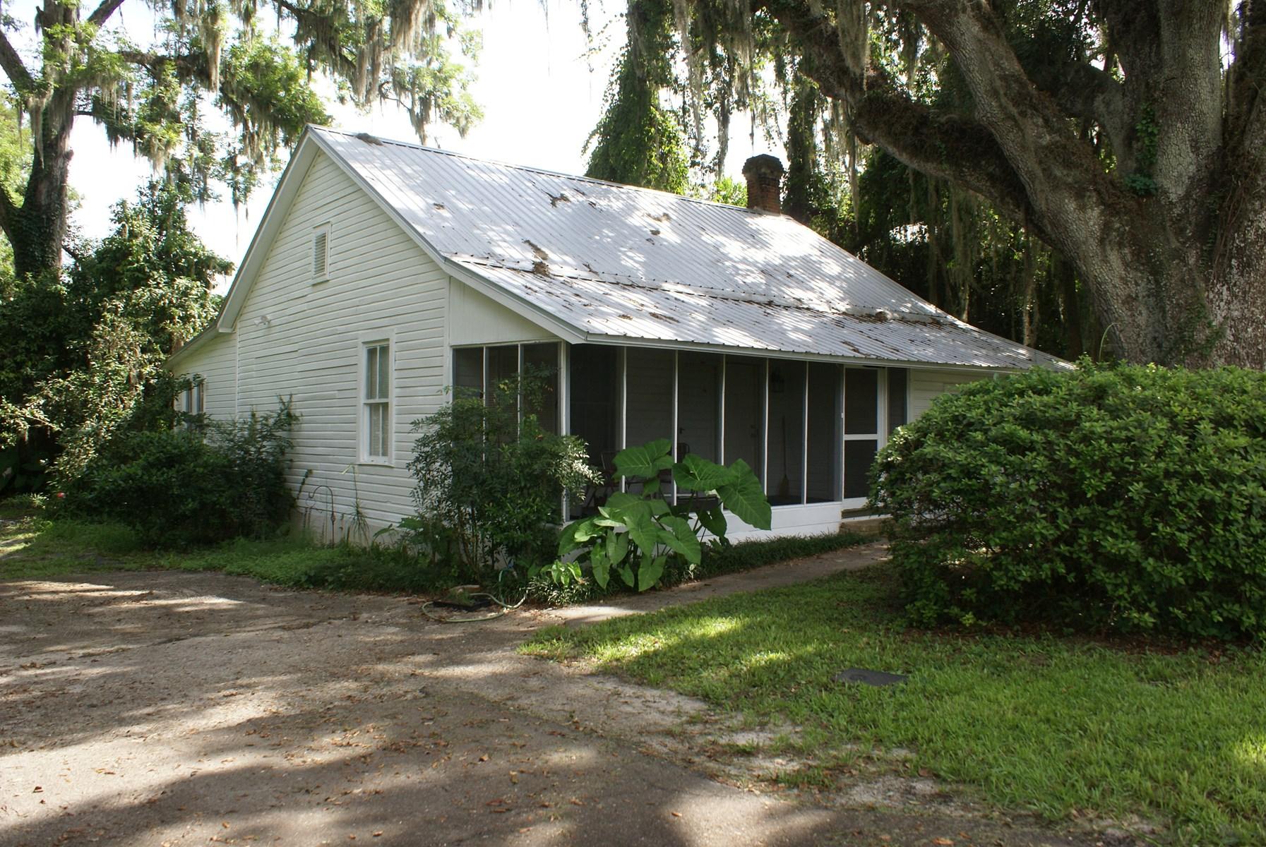 North Florida Cracker Cottage for sale