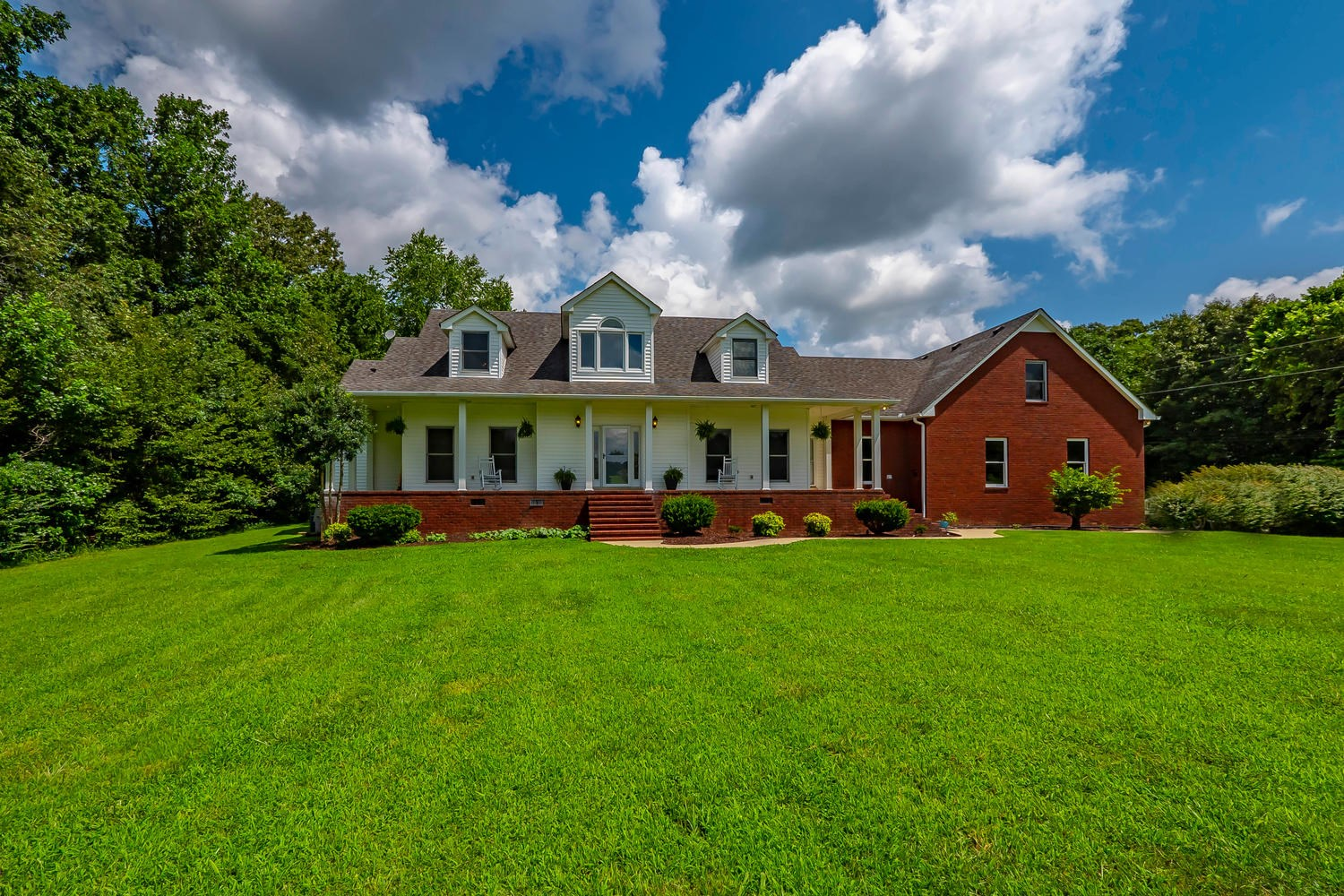 Country Home For Sale in Middle Tennessee!