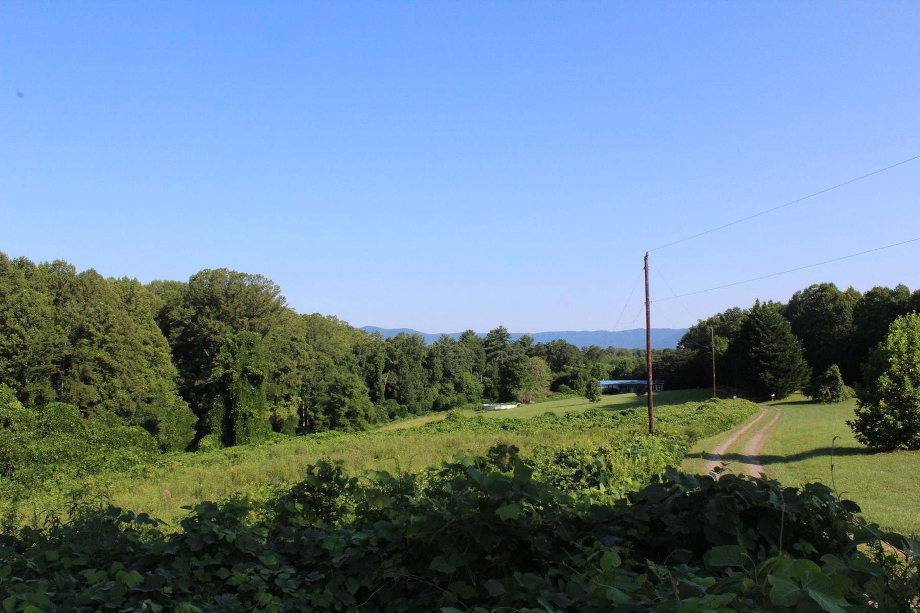 Beautiful NC 2 +/- acres home site w/ mountain view