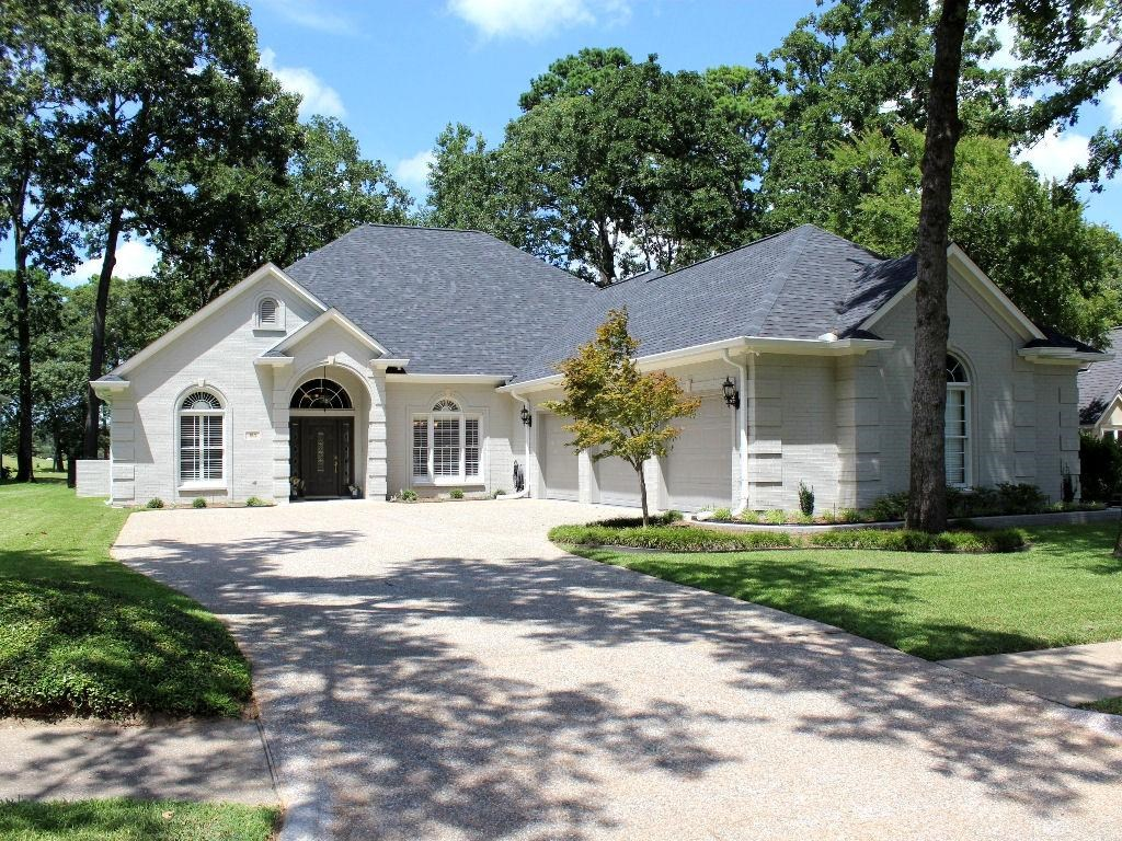EXCEPTIONALLY UPDATED GOLF COURSE HOME FOR SALE IN EAST TX