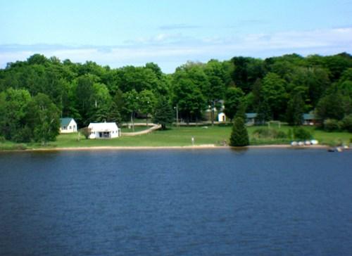 Beautiful recreational property on gorgeous Caribou Lake.
