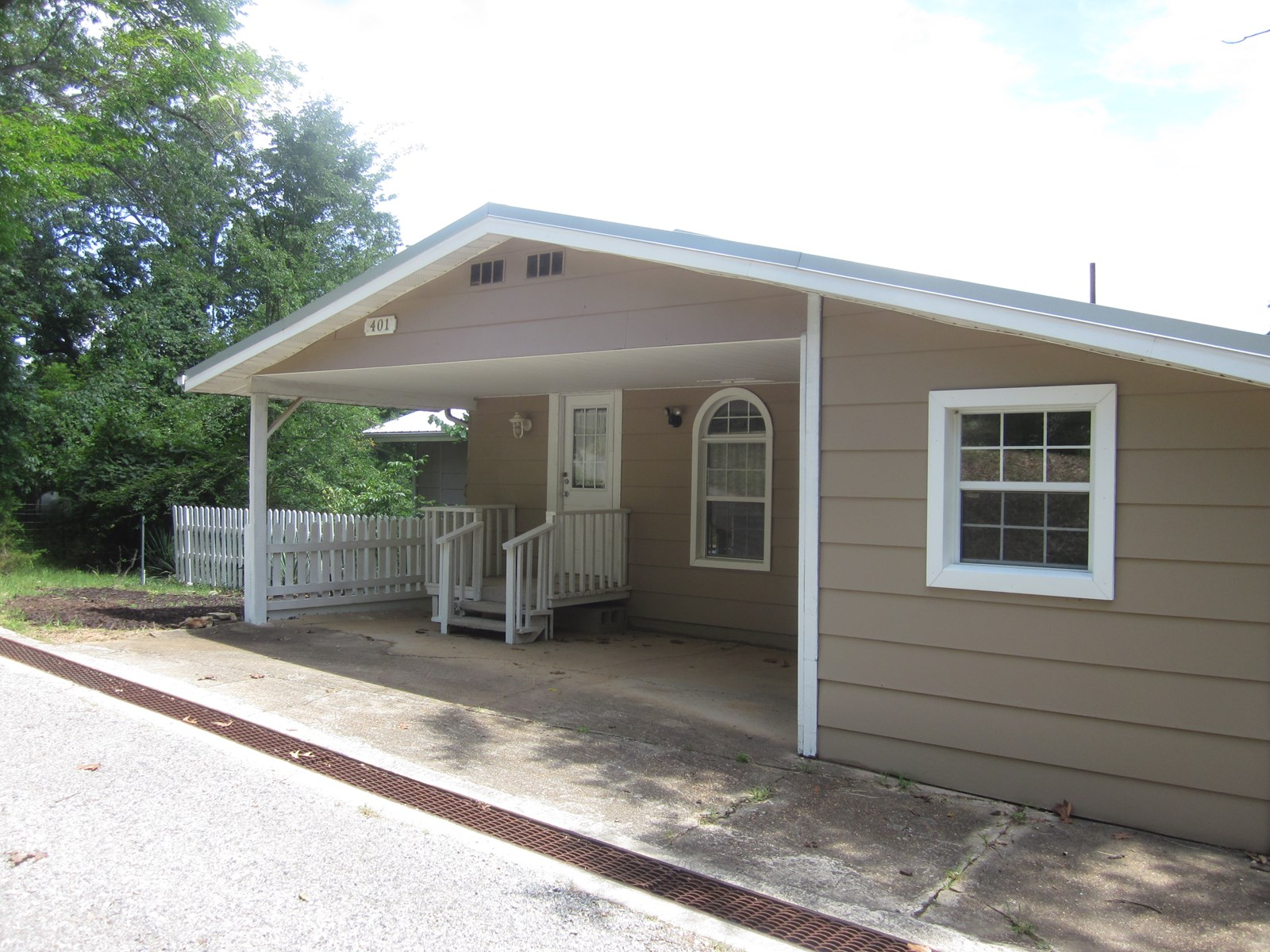 COTTAGE ON LAKE BULL SHOALS FOR SALE!
