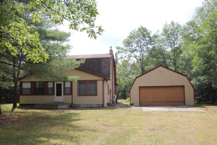 Northern Michigan Home For Sale near Clear Lake Atlanta, MI.