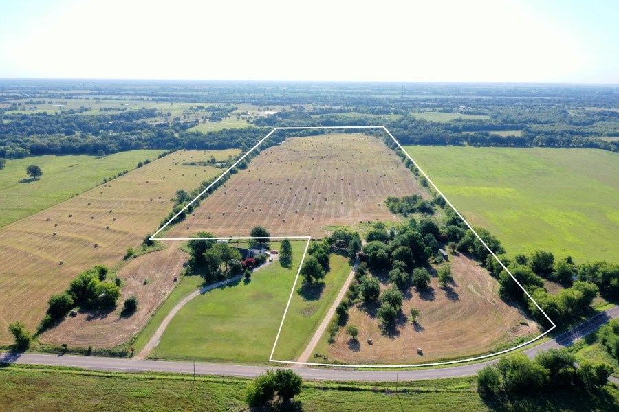Country Home & Farm For Sale Pattonville Texas