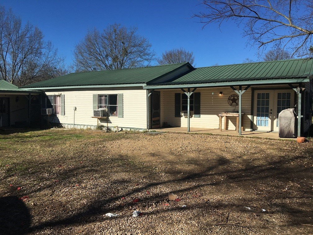 Country Home On Recreational Acreage For Sale Bogata Texas