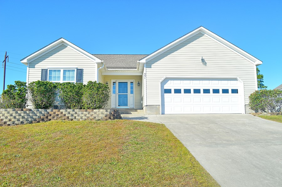 3 Bedroom Home for Sale in Holly Ridge, NC