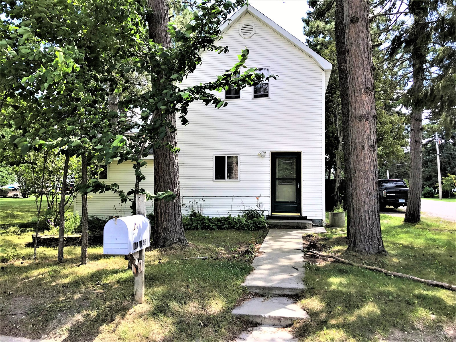 Home in town for sale Littlefork, MN