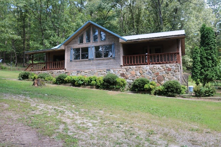 MOUNTAIN COTTAGE FOR SALE IN THE OZARKS OF NORTH ARKANSAS