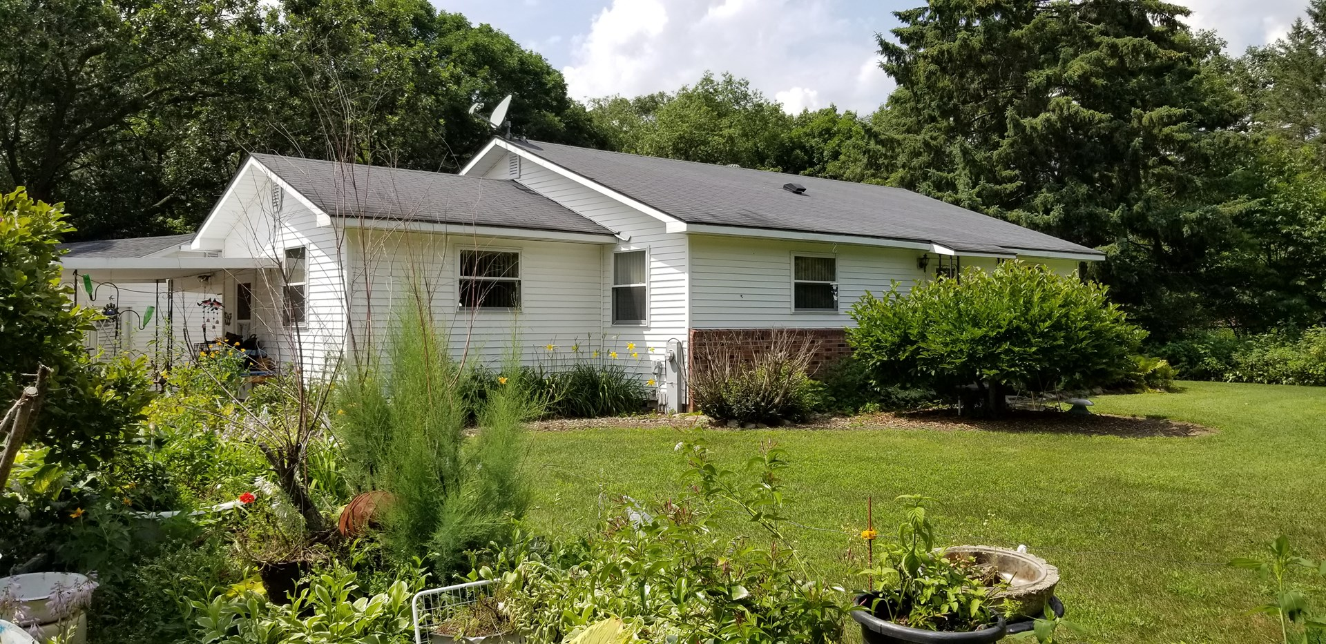 Country Home / Farmette for Sale in Waupaca WI