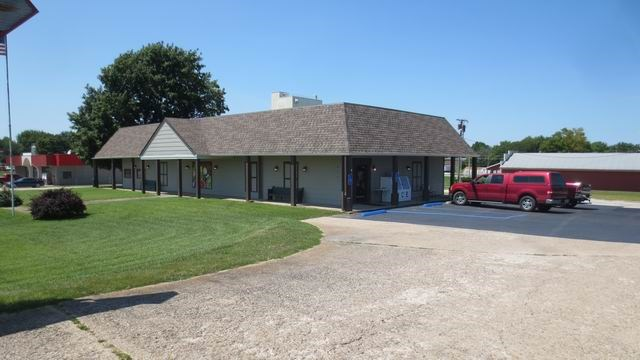 For Sale: Commercial Building On Busy Hwy 54