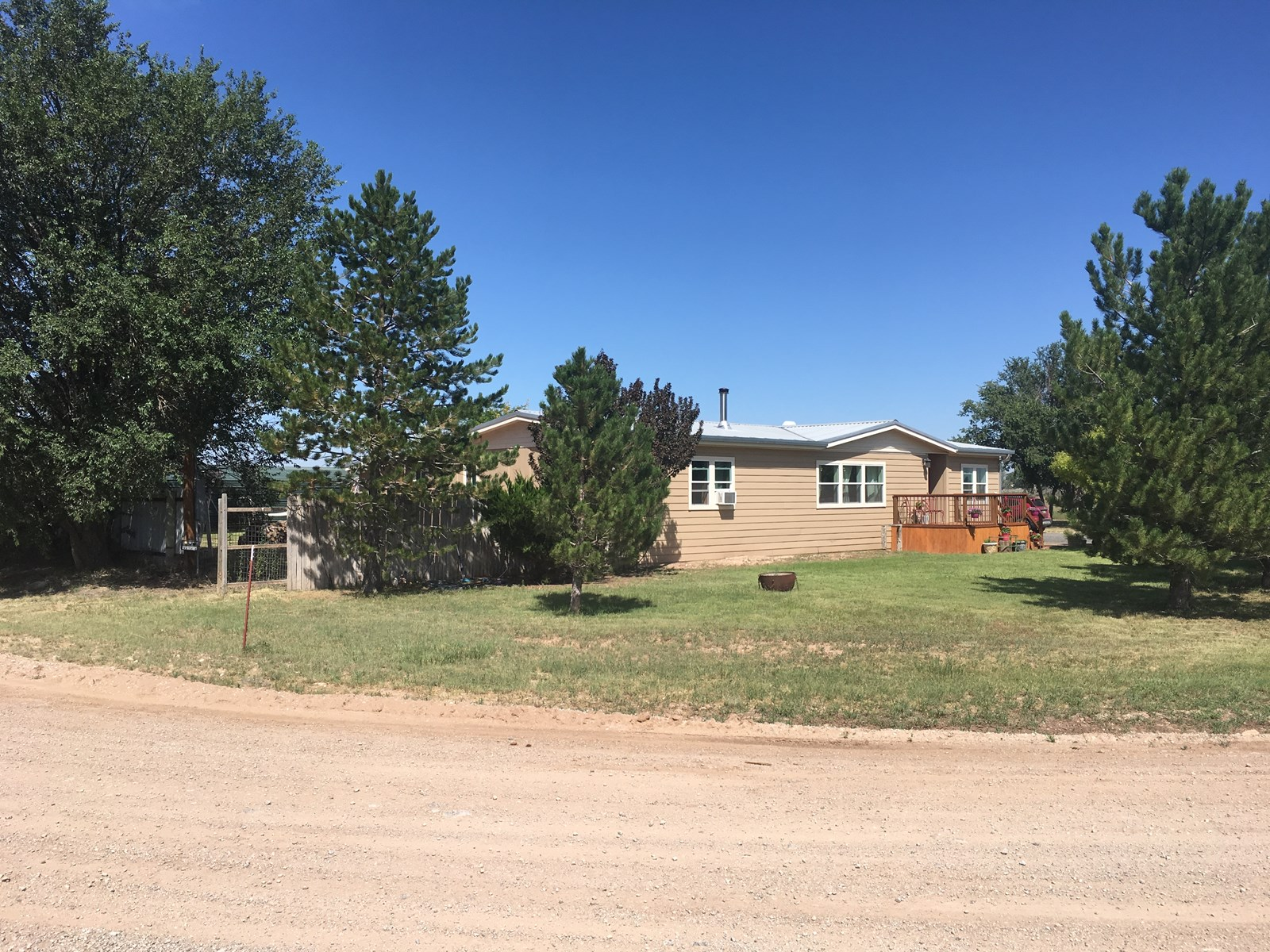 Country Home For Sale on Acreage in Central NM By Estancia