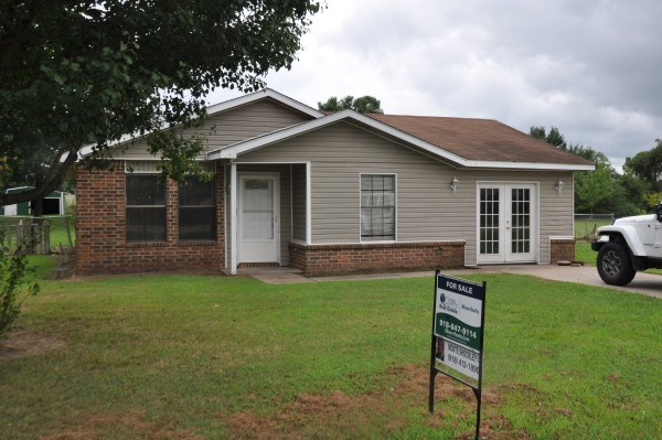 THREE BEDROOM HOME FOR SALE IN POCOLA, OKLAHOMA