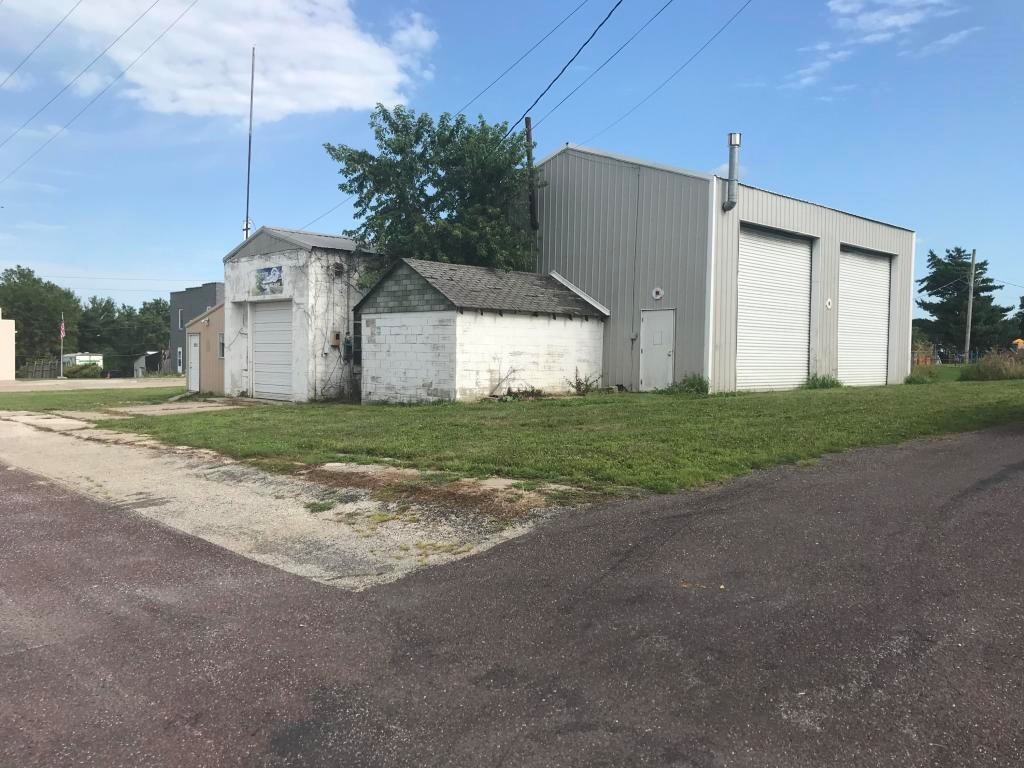 COMMERCIAL PROPERTY FOR SALE IN MAITLAND, MISSOURI