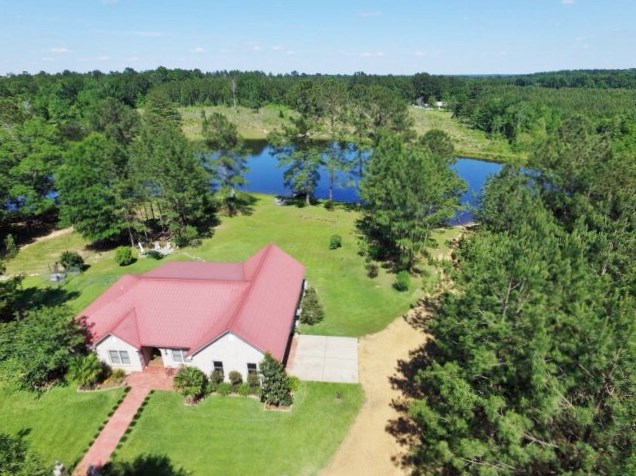 3 Bed, 2 Bath Home, 39.72 Acres, Lake, NPSD, Summit, MS