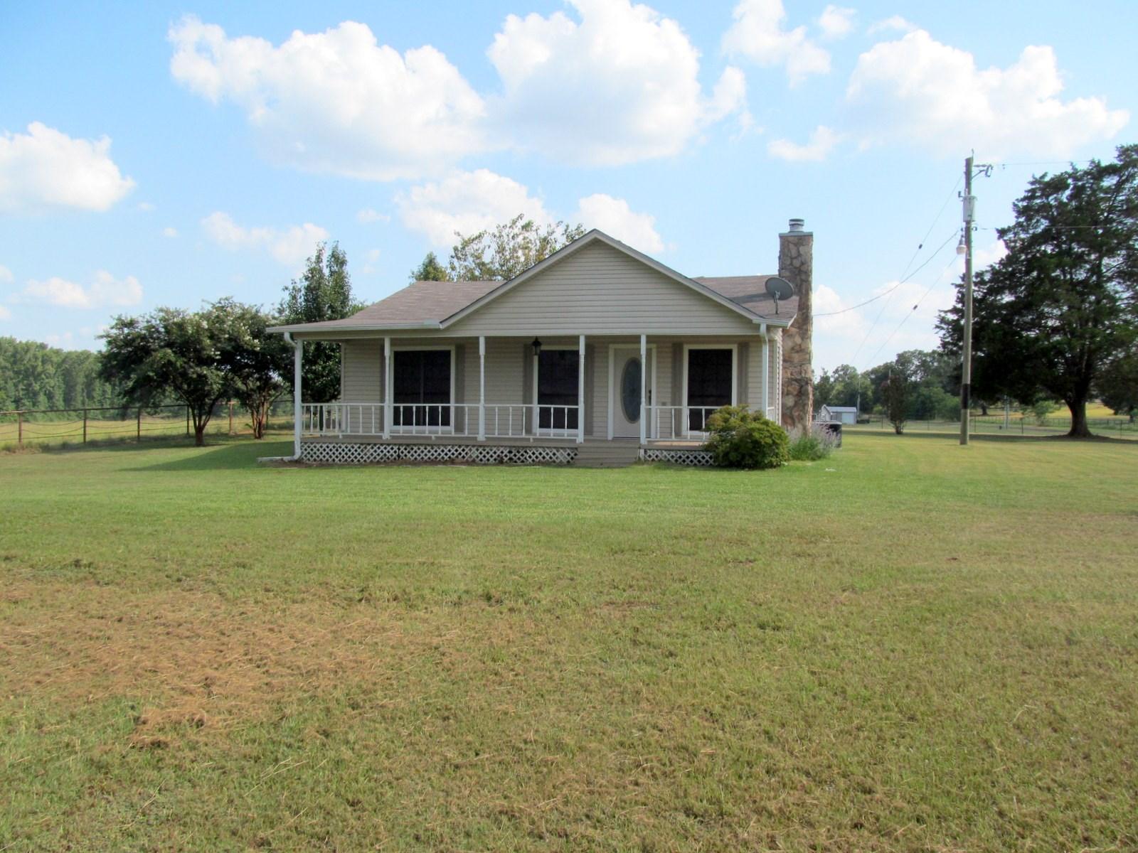 1940 FARM HOUSE ON 1.4 ACRES IN EAST TEXAS - WINNSBORO, TX
