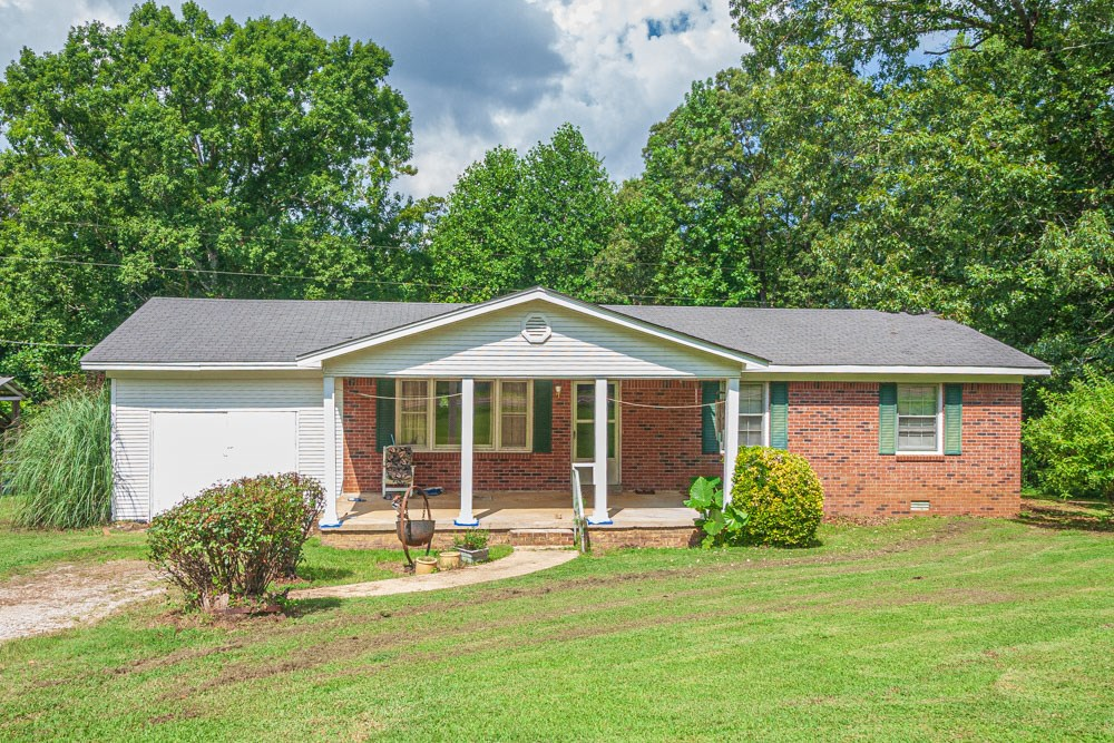 Country Home for sale in Chester County, TN