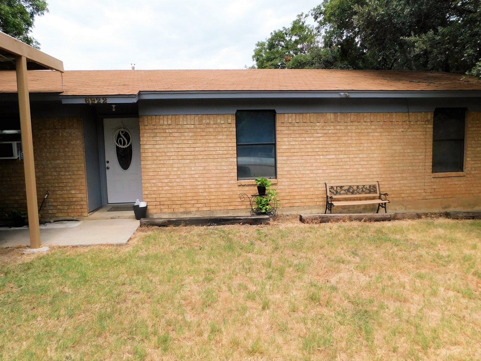 NICE BRICK HOME AT LAKE BROWNWOOD TEXAS