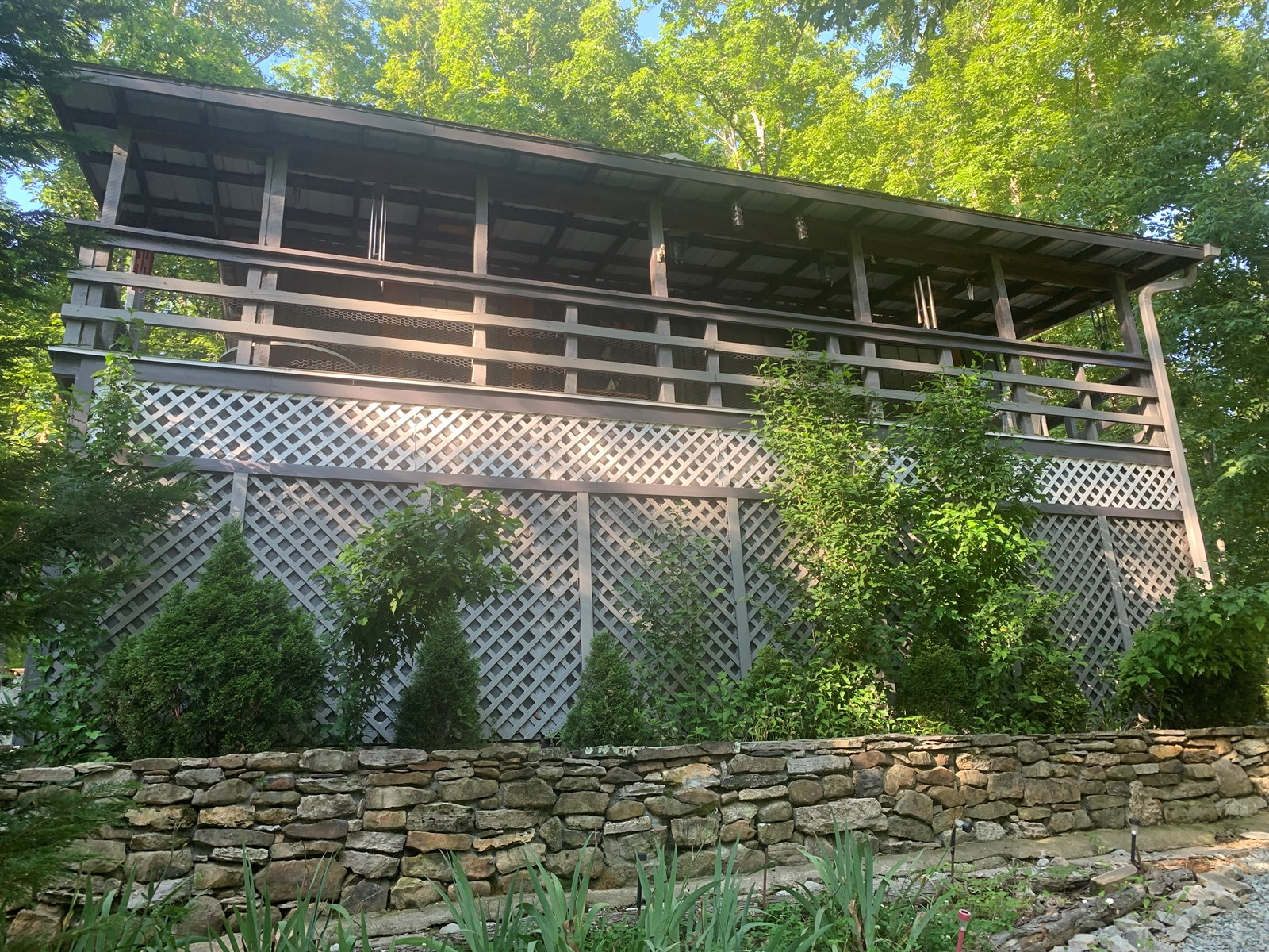 Cabin for sale in TN with barn, acreage, fencing, timber